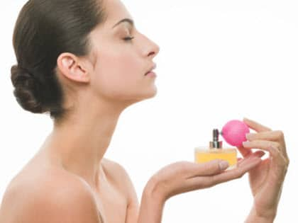 Errores más comunes en la aplicación de perfumes.